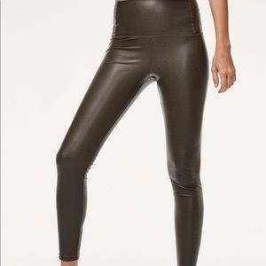Wilfred Free Daria Vegan Leather leggings